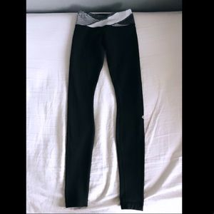 Lulu Lemon Wunder Under Leggings - Size 2